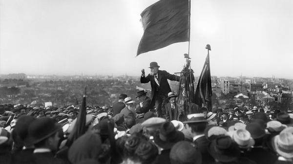 Discours de Jean Jaurès lors de la manifestation contre la loi de 3 ans.