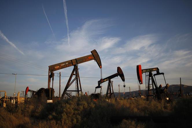 Extraction d'huile et de gaz de schiste en Californie.