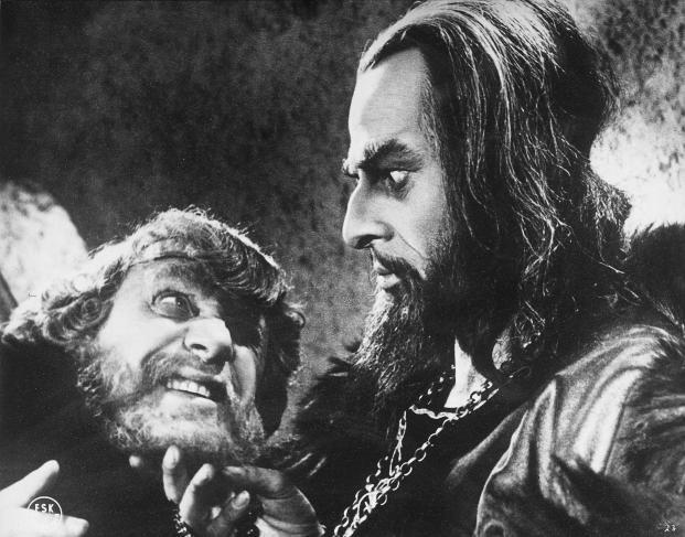 Nikolaï Tcherkassov dans une scène du film « Ivan le Terrible »