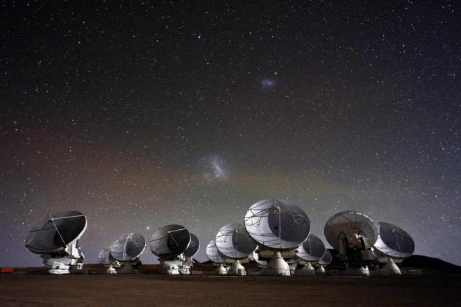 Le télescope de l'observatoire Alma au Chili