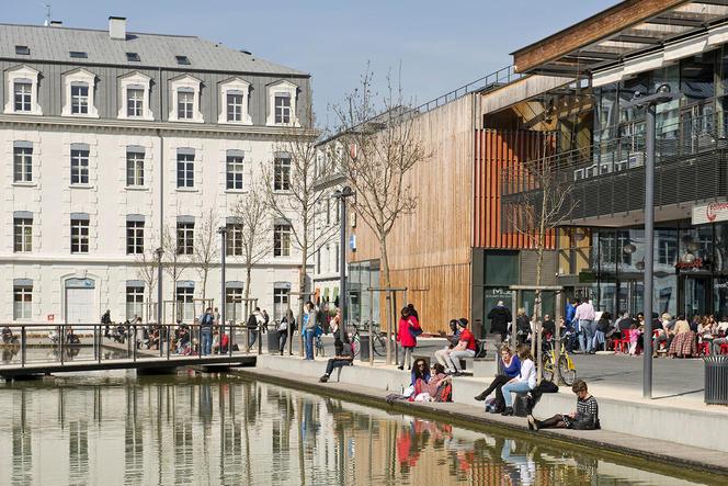 Ecoquartier de la Caserne de Bonne situe au centre ville de Grenoble.