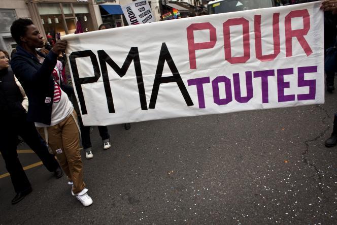 Manifestation en faveur du mariage gay et de la PMA pour tous.
