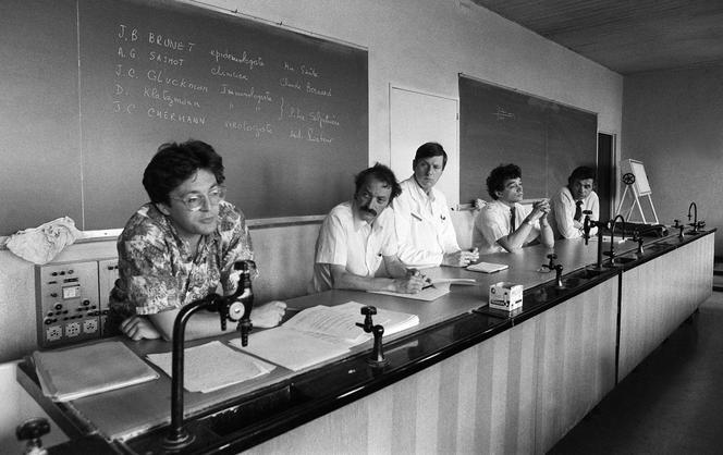 Conférence de presse le 29 juin 1983 au CHU de la Pitié-Salpêtrière