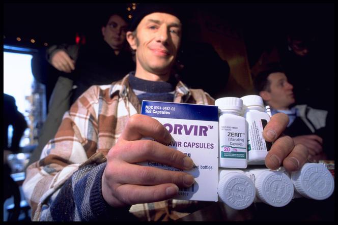 malade du sida achetant des médicaments à NYC