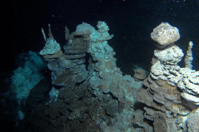 Château de Loki, source hydrothermale