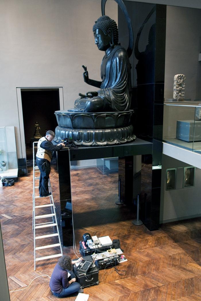 Analyse par spectroscopie Raman du grand Bouddha Amida