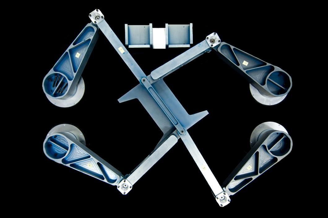 Robot industriel DualV capable de déplacer très rapidement des objets légers