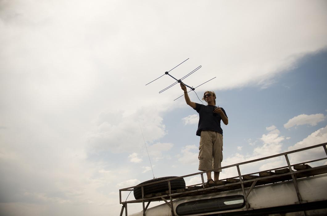Parc de Hwange, antenne radio pour suivre les animaux équipés de colliers GPS