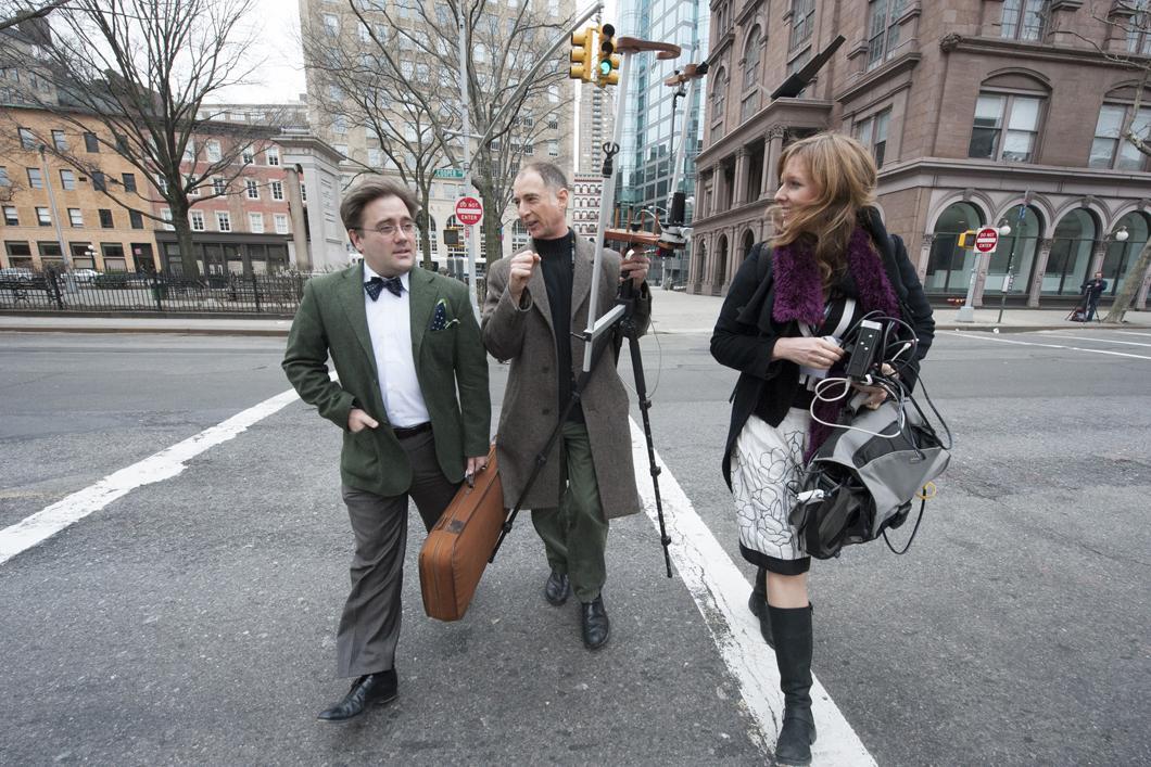 La chercheuse Claudia Fritz, le violoniste Aaron Boyd et le luthier Joseph Curtin à New York