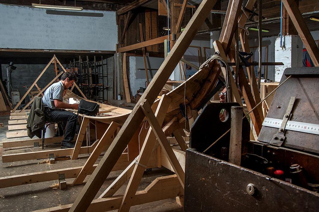 Construction du bateau Gyptis, agencement des premières virures