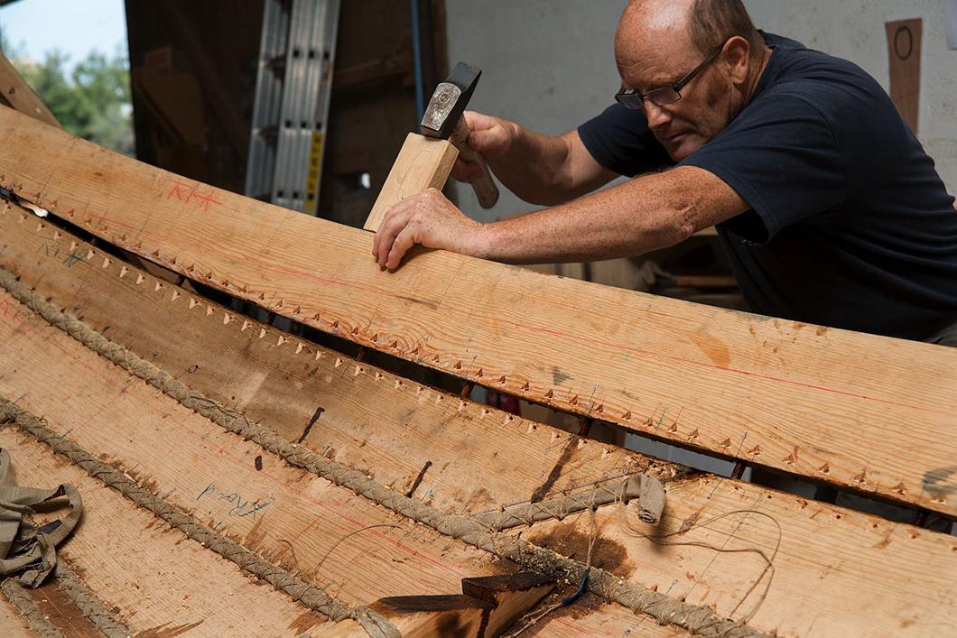 Construction du bateau Gyptis, mise en place des bordées