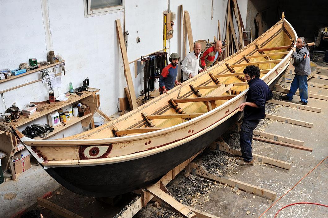 Construction du bateau Gyptis, travaux d'étanchéité