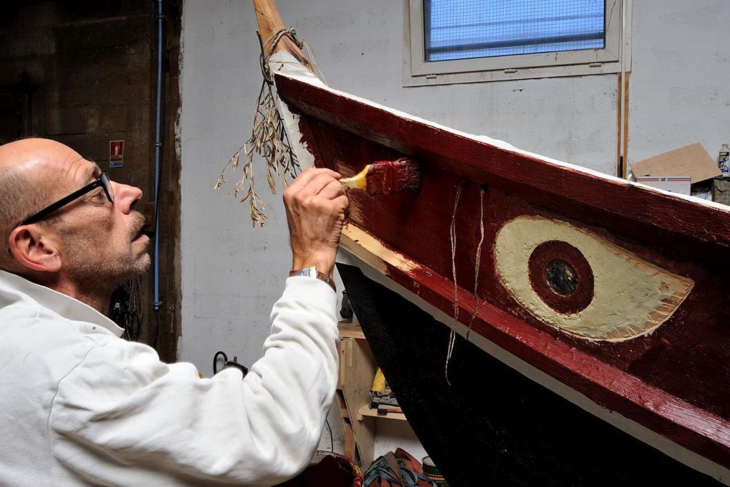 Construction du bateau Gyptis, peinture finale