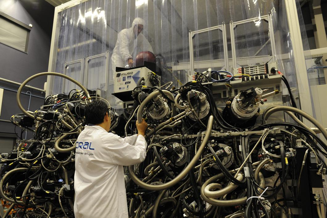 Raccordement des 24 IFU au système de refroidissement de Muse