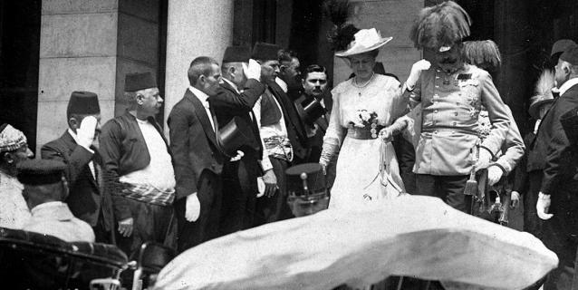 L'archiduc François-Ferdinand et son épouse avant l'attentat de Sarajevo.