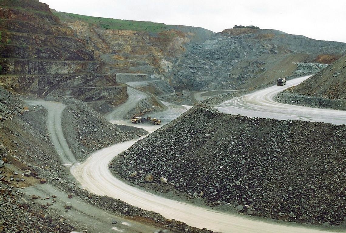 Mine à ciel ouvert de Salsigne.