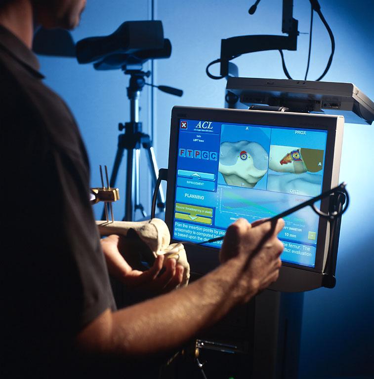 Chirurgie assistée par ordinateur.