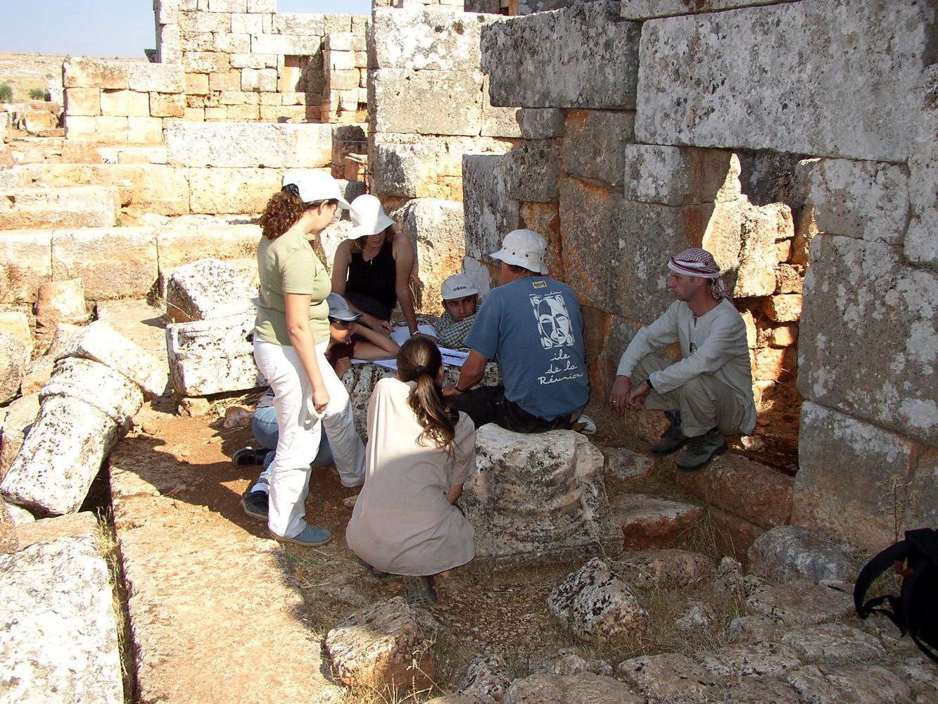 Fouilles et études architecturales à Serğilla en Syrie