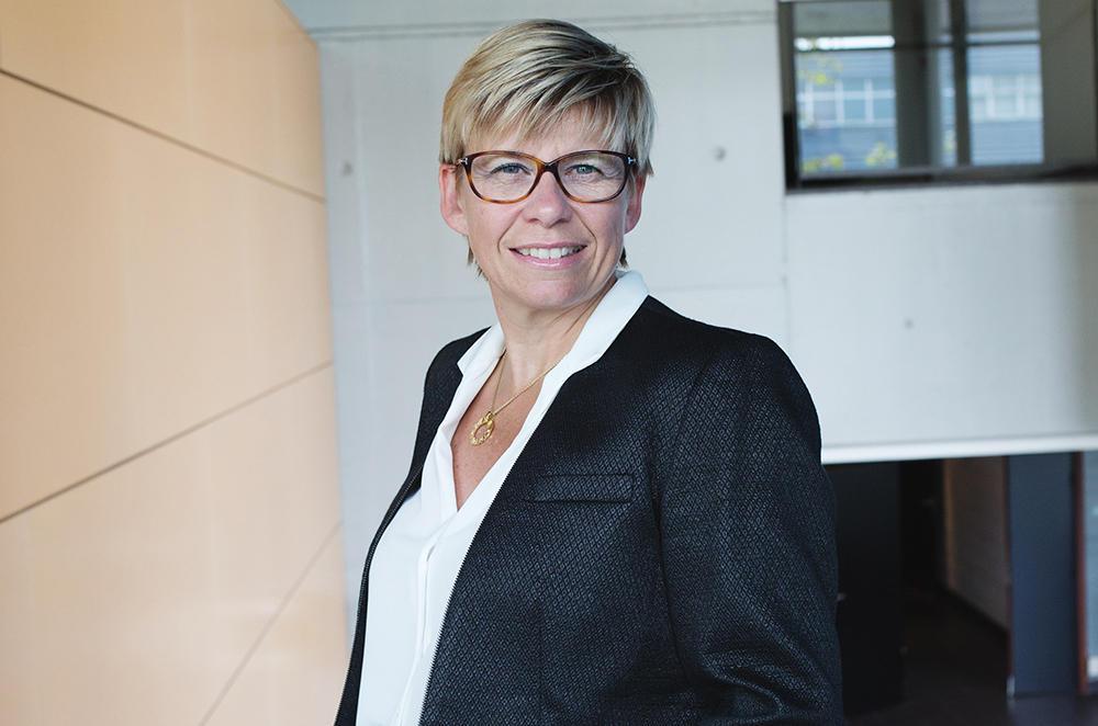Cathie Vix-Guterl lauréate de la médaille 2016 de l'innovation
