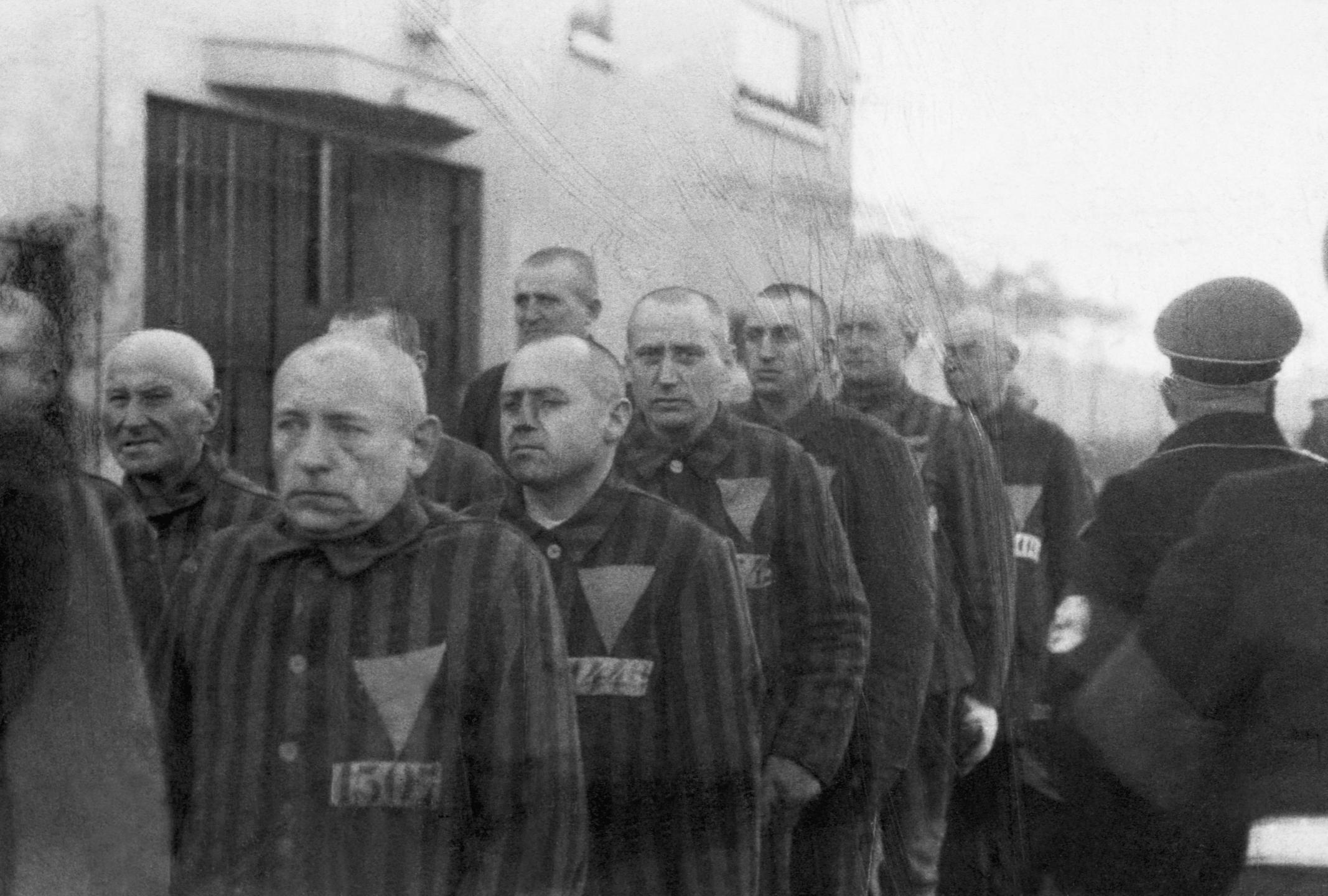 Prisonniers dans le camp de concentration de Sachsenhausen