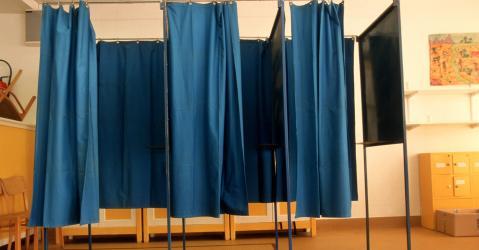 Un isoloir lors des élections municipales