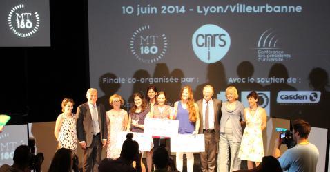 Marie-Charlotte Morin lors de la finale alsacienne du concours « Ma thèse en 180 secondes ».