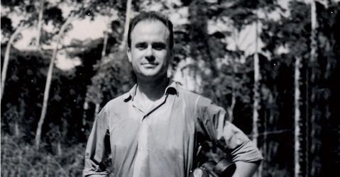 Portrait en noir et blanc de Jean Rouch