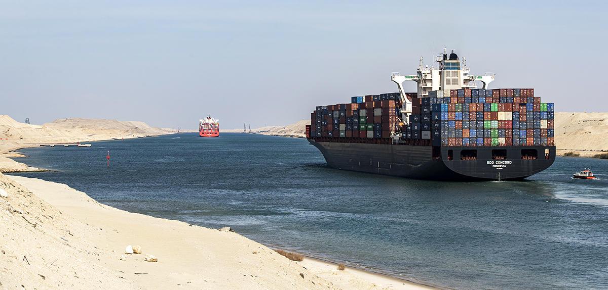 Suez : les 150 ans d'un canal très disputé