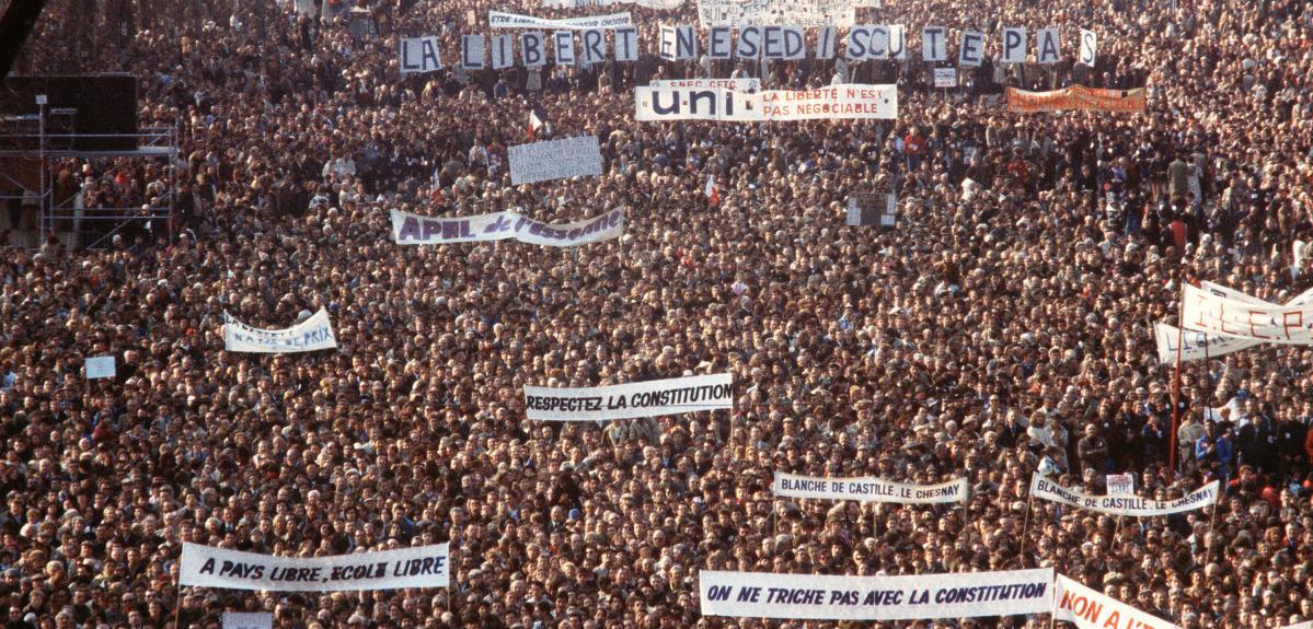 Manifestation en faveur de l'école libre en 1984.