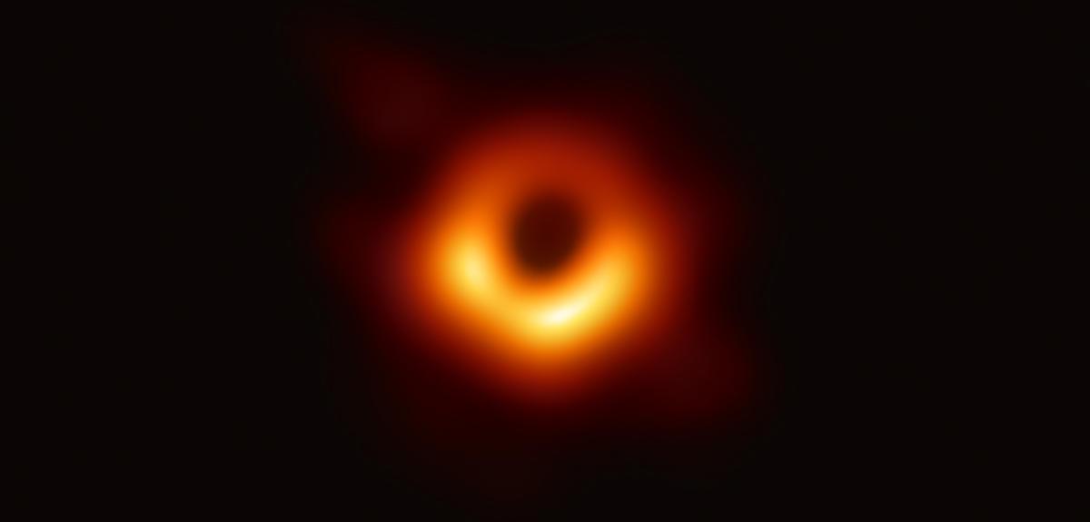Voici la toute première image d'un trou noir