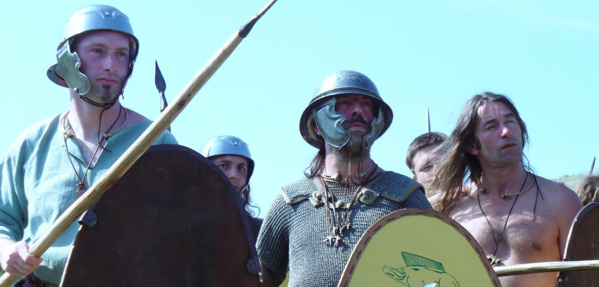 Reconstitution d'une armée de guerriers gaulois.