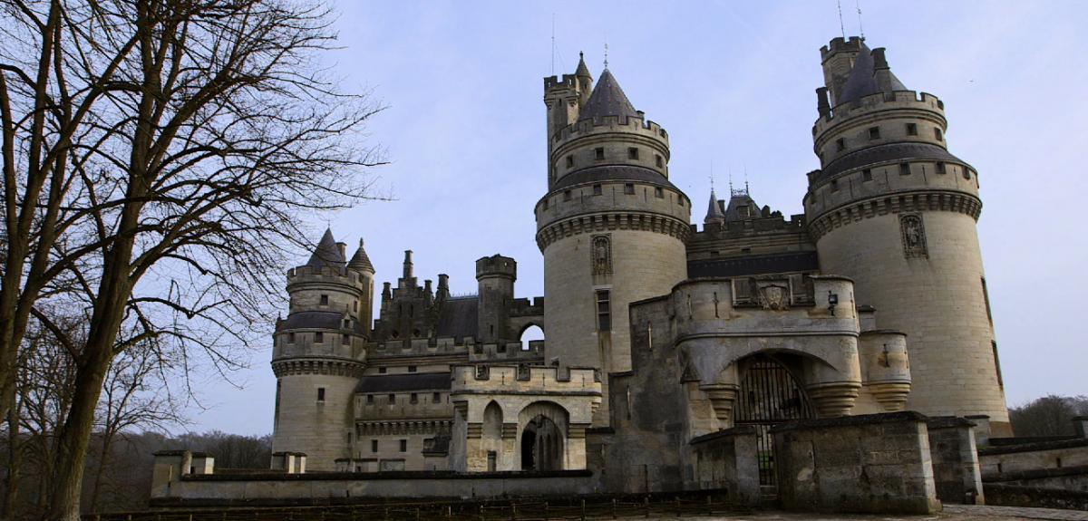 """VIsuel du film """" Le château de Pierrefonds"""""""