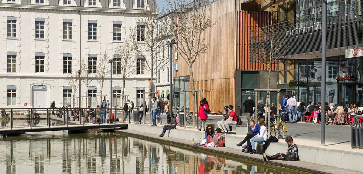 La ville durable creuse les in galit s cnrs le journal - Piscine courcelles les lens ...