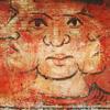 Image énigmatique peinte qui montre une tête humaine avec deux visages supplémentaires sur les côtés.
